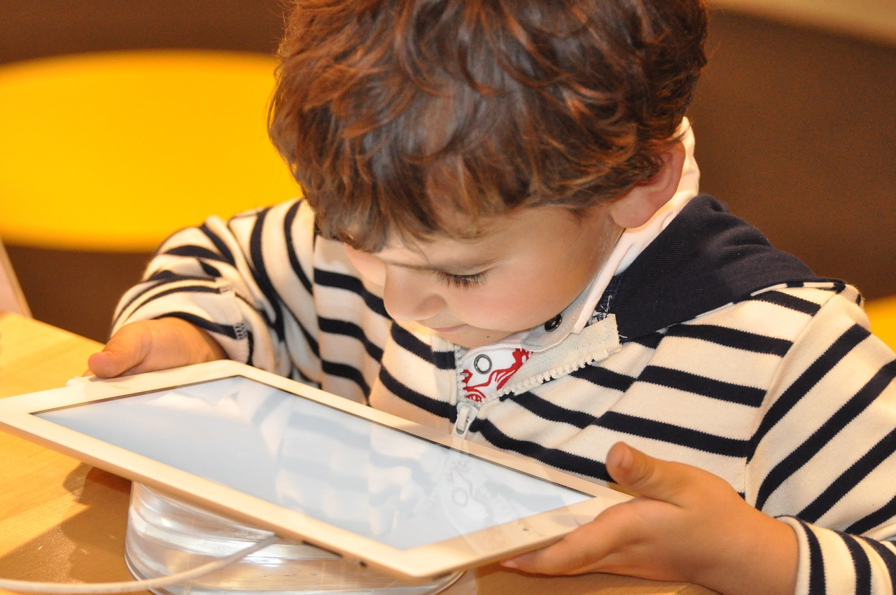Are tablets and ipads bad for young children?
