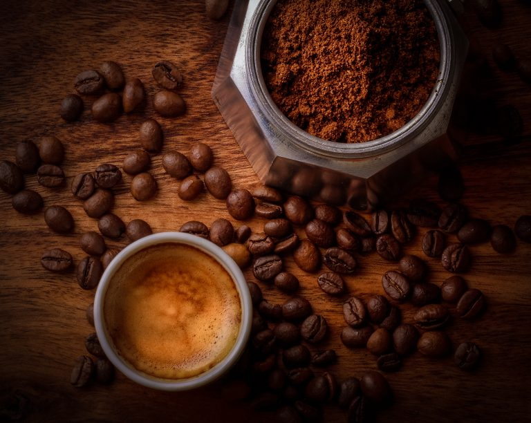 10 great ideas for using leftover coffee grounds