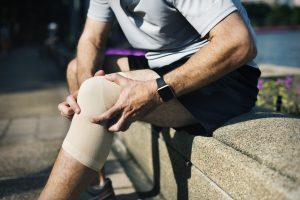 massaging knee